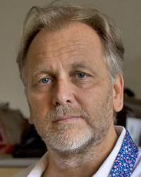 Dr Istvan  Szentmariay