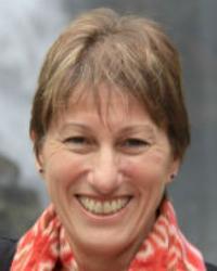 Dr Robyn P Thomas